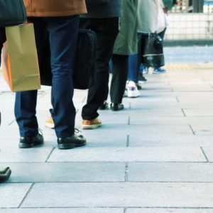 雇用保険に入れなかった休業者にも月額賃金の8割程度を直接給付の制度を予定